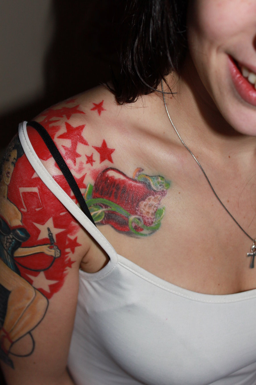 hot girl apple tattoo