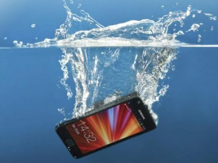 How Your Smartphone May One Day Be Waterproof