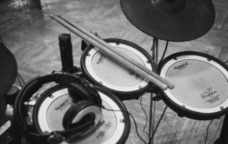 The 5 Best Reasons to Buy an Electronic Drum Set